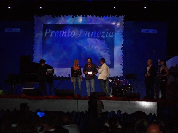 Luca Cozzani Premio Lunezia.jpg