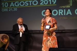 Gloria Conti Premio Spazio d'autore e il M°  Pino Scarpettini